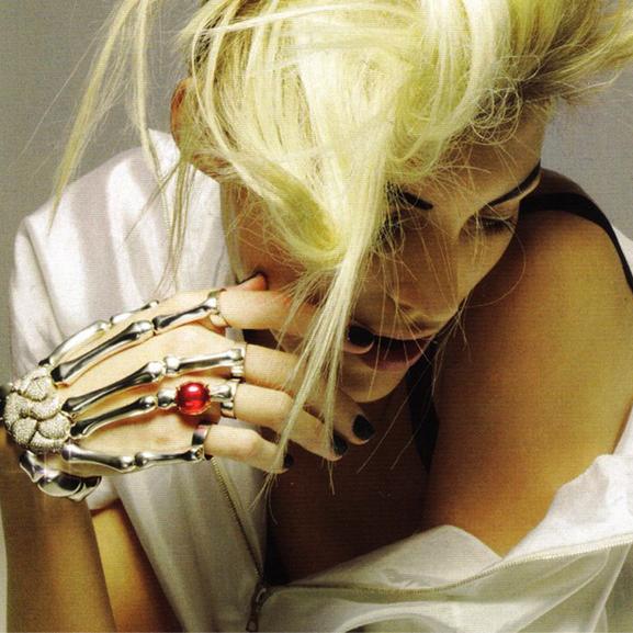 Delfina Skel Hand