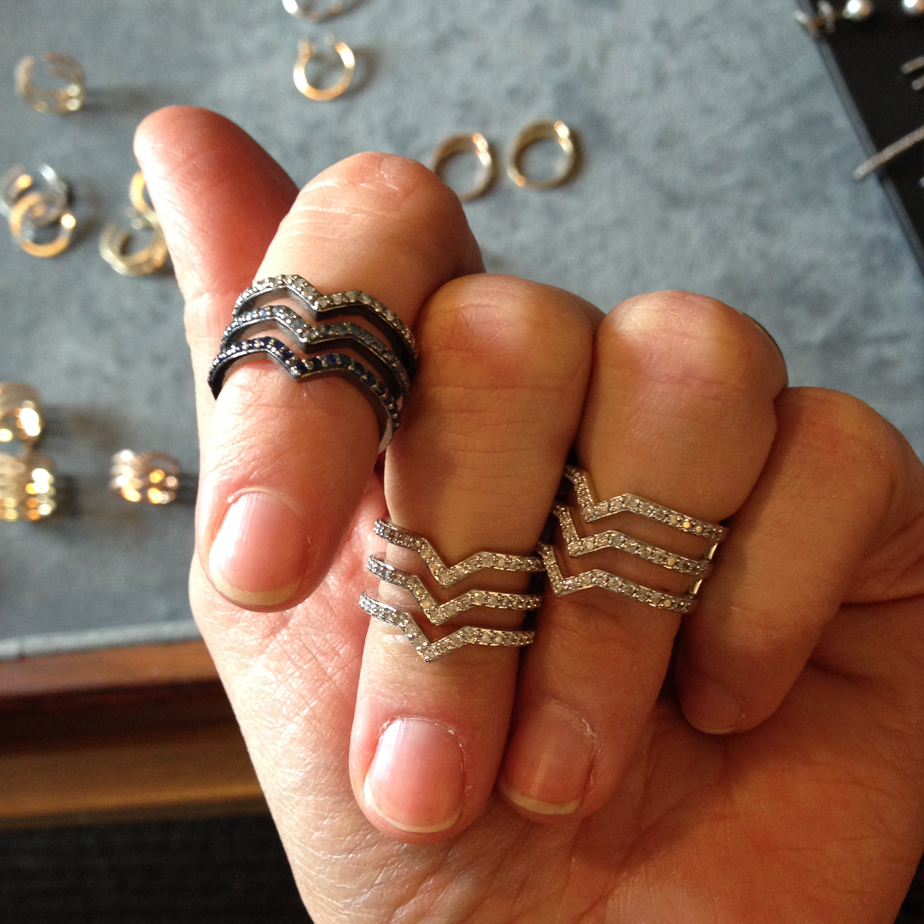 Phyne rings on hand
